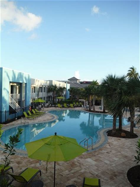 Garden Hotel Key West by Les Chambres Vue Parking Picture Of Garden Inn