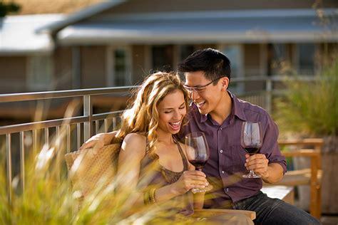 romantic couple drinking wine wine russ widstrand photographer portland oregon