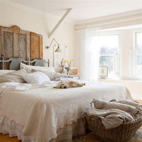 comfy bedroom with rustic modern decor idea mix the new modern rustic bedroom decorating ideas and photos