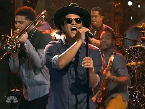 download mp3 bruno mars young wild girl bruno mars debuts young girls performs locked out of