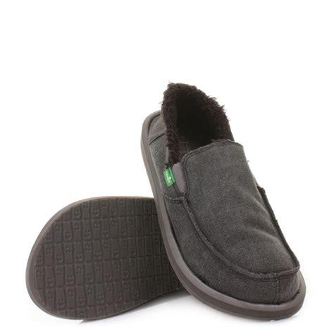sanuk slippers mens mens sanuk vagabond chill fleece lined canvas charcoal