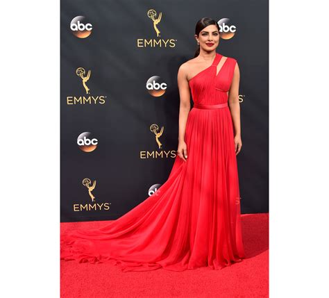 priyanka chopra at the emmy priyanka chopra to emily ratajkowski women who sizzled on