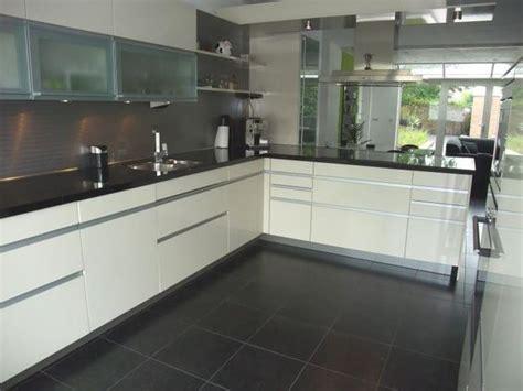 wandtegel keuken wandtegel keuken grijs google zoeken keukenblok oven