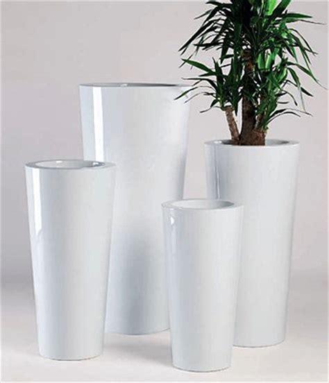 vasi moderni in resina vaso ilie laccato in resina vasi da giardino moderni e