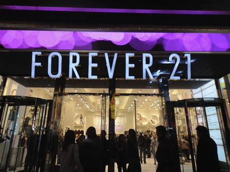 forever21 firstandforever store18 is forever 21 downsizing sourcing journal