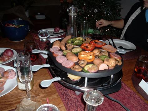 raclette dinner 25 best ideas about raclette on