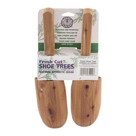fresh cut trees at walmart cedar america fresh cut shoe trees s fit sizes 7 12 2 0 ct walmart