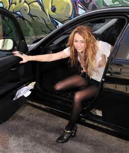 When I Get Out Of My Car It Shocks Me Miley Cyrus Getting Out Of Car In La October 25 2010 01