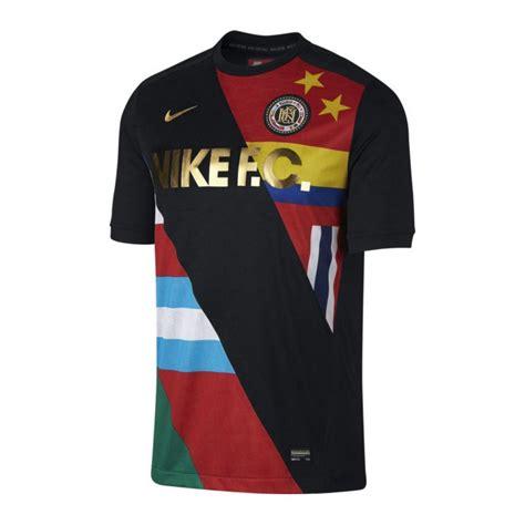 Tshirt Nike F C nike f c t shirt schwarz weiss f012 shortsleeve