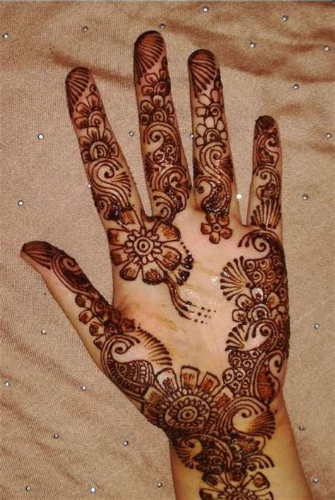 pakistani mehndi designs 2011 latest and attractive