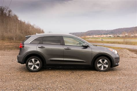 2017 kia niro ex review don t call it a hatchback the