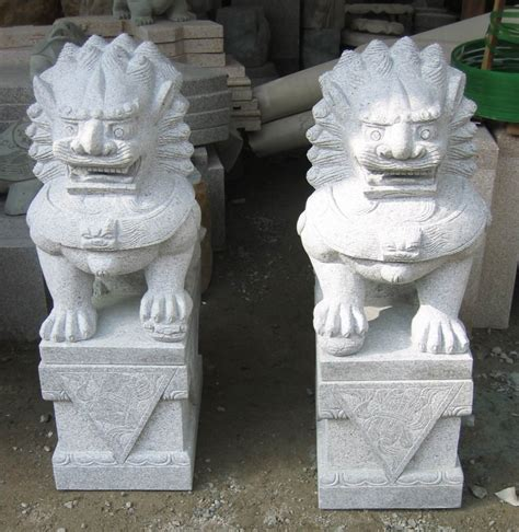 chinesische lions tempell 246 wen w 228 chterl 246 we fu hunde in china