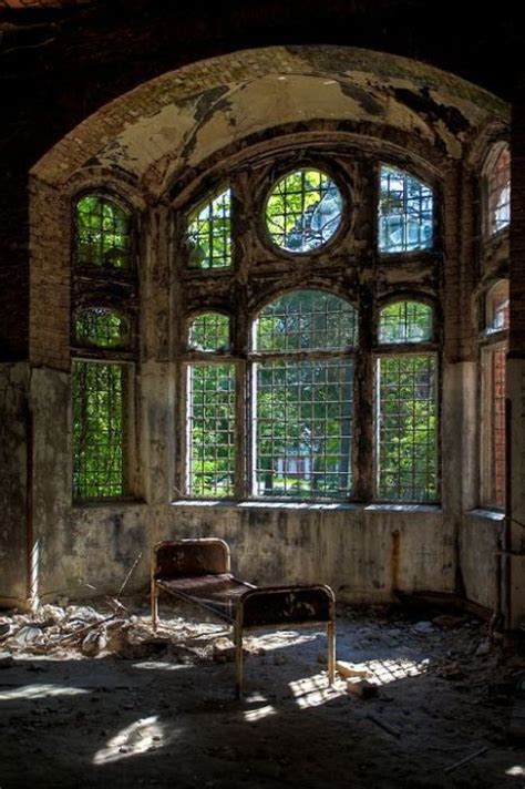 abandoned places around the world chilling photos from abandoned places around the world 40