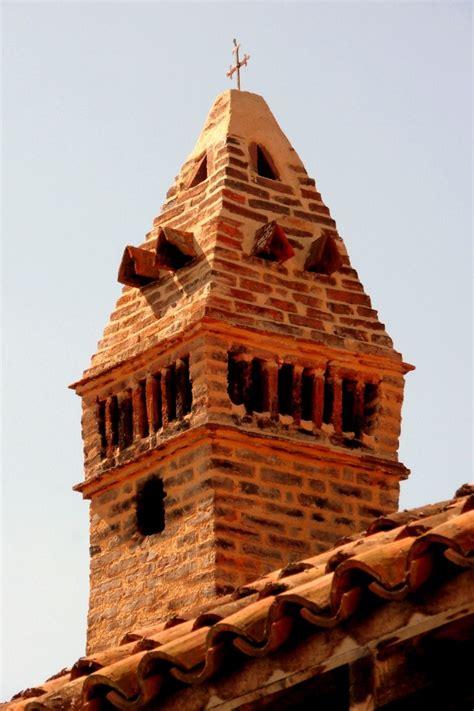 mitre cheminee romenay 71 mitre de chemin 233 e sarrasine une photo de romenay