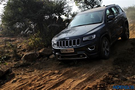 jeep grand cherokee srt offroad jeep grand cherokee srt and wrangler off road experience