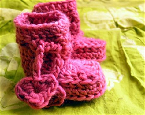 ravelry patterns library little hearts ravelry little hearts bootees pattern by sylvie damey
