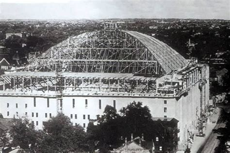 maple leaf gardens construction in 1931 photo found