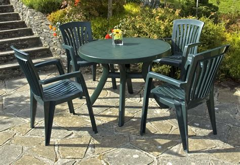 Plastic Patio Furniture Sets Nardi Toscana Green Patio Table With 4 Diana Armchairs
