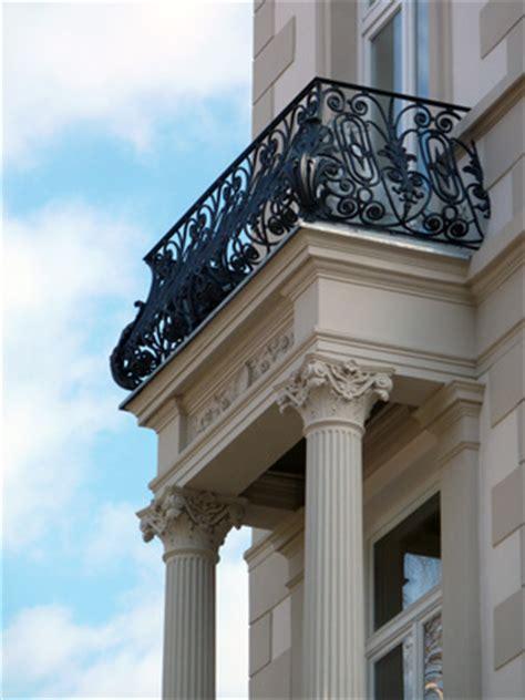balkongitter metall balkongitter schmiedeeisen f 252 r eine stabile und