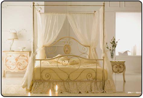 letti matrimoniali a baldacchino letto matrimoniale baldacchino in ferro con tendaggio