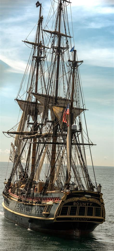 sailing boat movie tall ship hms bounty built for the movie quot mutiny on the