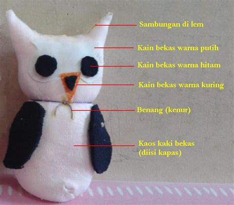 Kaos Uhu putri permatasari membuat boneka owl dari kaos kaki bekas