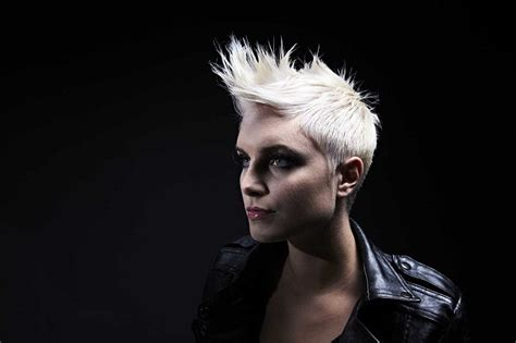 Spiky Swooped Hair | 10 exclusive short spiky hairstyles for fearless women