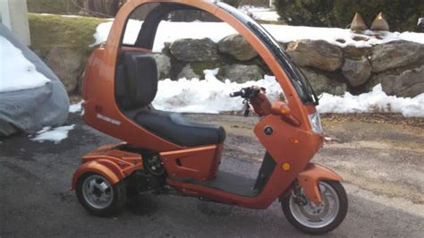covered motorcycles with three wheels 2012 automoto 3 wheel semi enclosed gas 150cc scooter