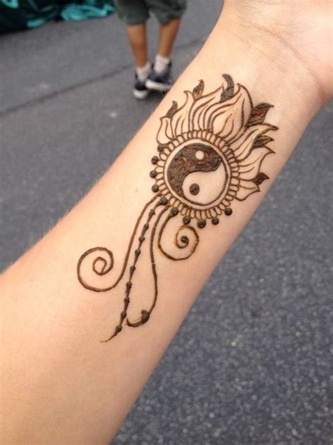 henna tattoos on your wrist 17 best ideas about henna wrist on