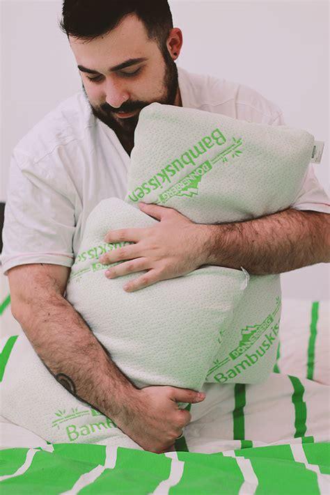 cuscino dormire come scegliere il cuscino giusto per dormire su un fianco