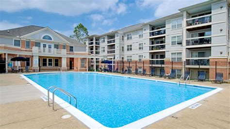 columbia appartments columbia crossing apartments in columbia pike 1957 columbia pike equityapartments com