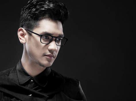 Kaca Mata Pria Cowok 8022 model kacamata yang di pakai penyanyi afgan gambar model