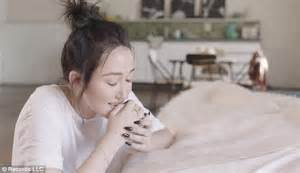 noah cyrus cry video miley cyrus little sister noah unveils her first music