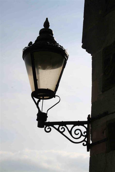 Carport Styles by Victorian Street Lamp Warisan Lighting