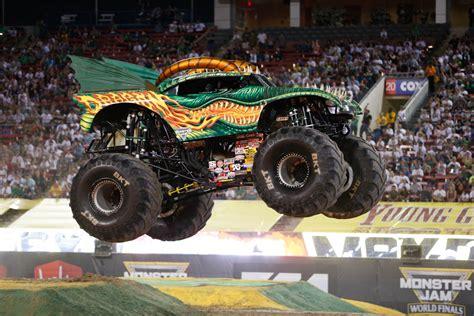 monster truck videos monster truck videos dragon monster trucks wiki fandom powered by wikia