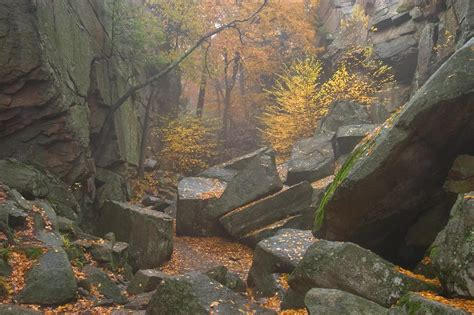 Mass Search Purgatory Chasm Sutton Massachusetts Search In Pictures