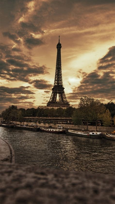 eiffel wallpaper for iphone 5 wallpapers for iphone 5 find a wallpaper background or