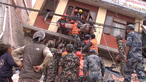 earthquake video download death toll in nepal climbs to more than 2 000 today com