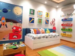 robot toddler room