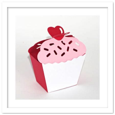 templates for heart shaped boxes 3d cupcake heart on top favor box template cup701068 671