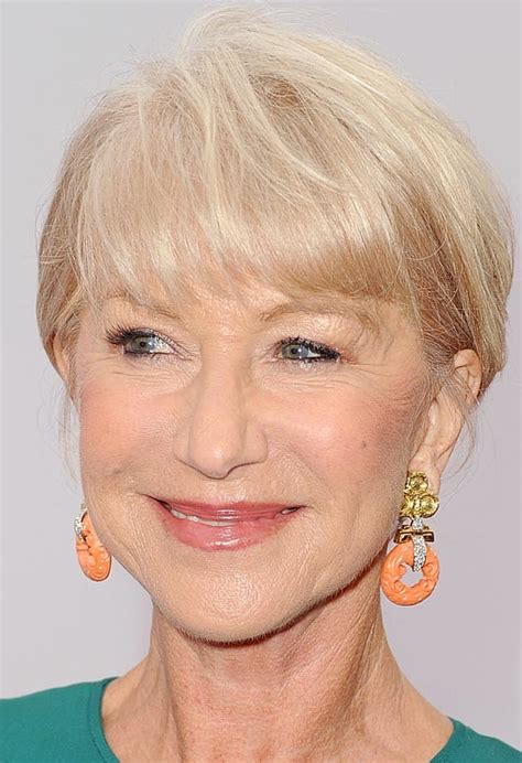 Did You Helen Mirren Carried Around 250000 At The Oscars by Dame Helen Mirren Can Rock Heels Like Nobody S