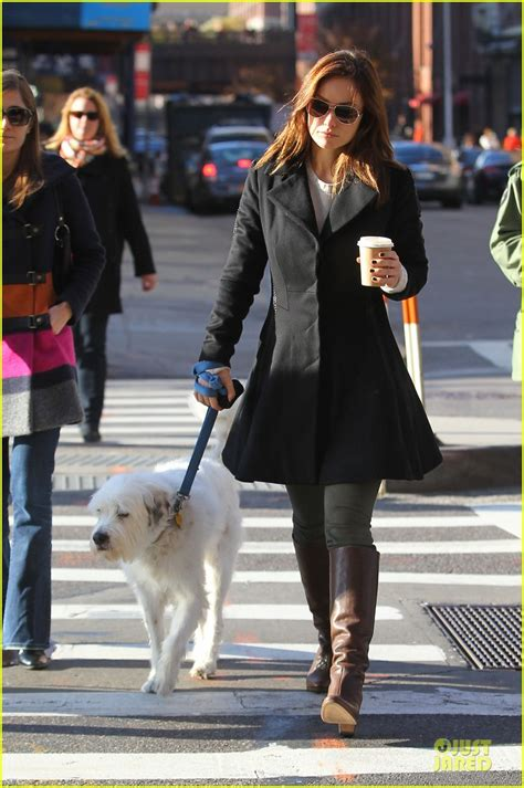 olivia wilde coffee run with paco 04 view image olivia wilde coffee run with paco photo 2759591