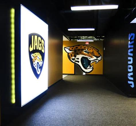 jaguars locker room see inside the jaguars new room slideshow jacksonville business journal