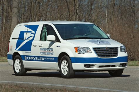 postal vehicles chrysler introduces postal service electric vans