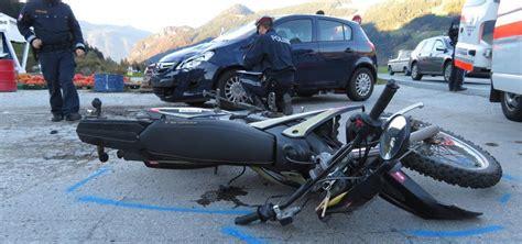 Unfall Motorrad Tirol by Zwei Schwerverletzte Bei Motorrad Unf 228 Llen Im Unterland