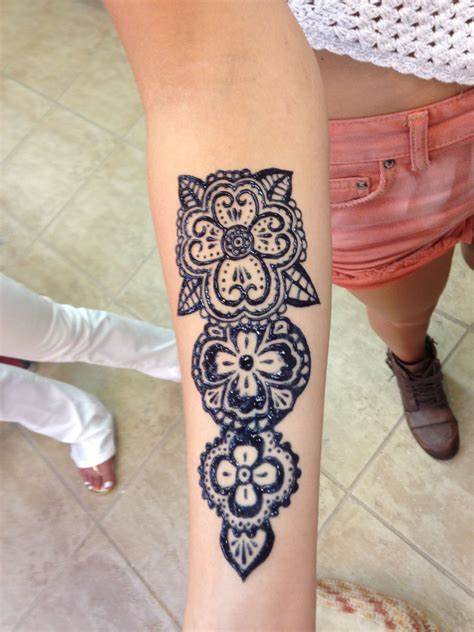 traditional henna style on forearm henna