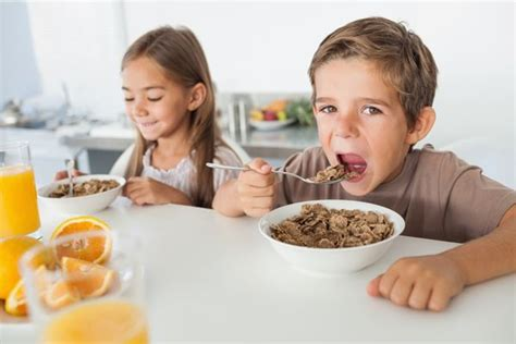 eating cereal before bed how to get your kids to eat a healthy breakfast dearborn