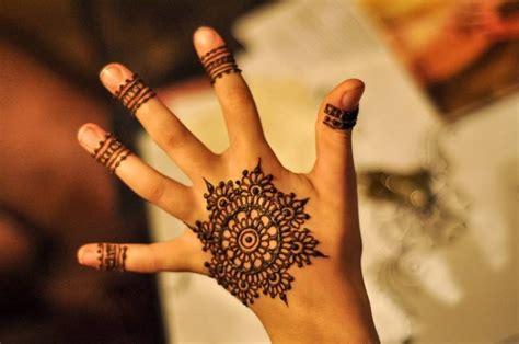 henna tattoo wo kann man das machen lassen 29 model henna muster leicht makedes