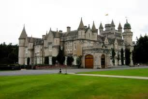 The world s coolest mansions u s news travel