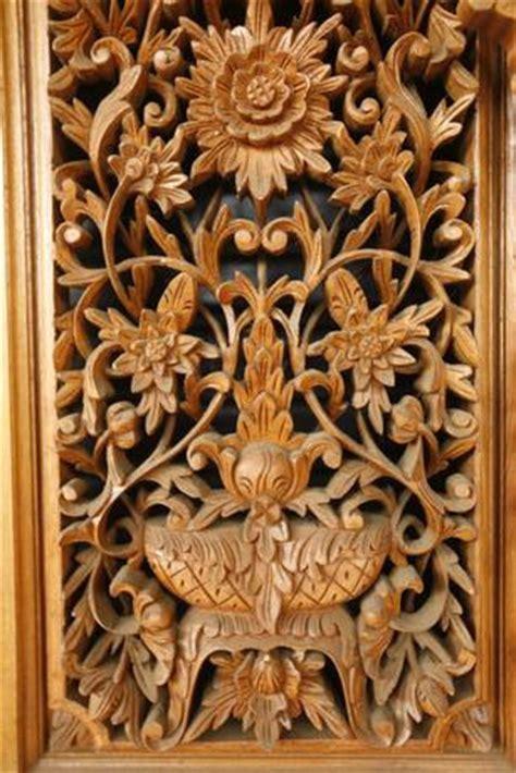 Jam Dinding Kayu Jati Motif Ornamen Jepara furniture jepara sejarah ukir jepara